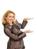 το εύθυμο κορίτσι δίνει &sigma Στοκ φωτογραφία με δικαίωμα ελεύθερης χρήσης