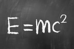 Το Ε είναι ίσο με το MC που τακτοποιείται Στοκ εικόνες με δικαίωμα ελεύθερης χρήσης