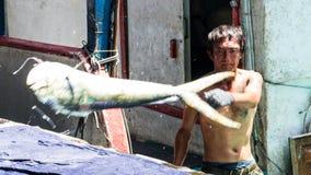 Το ελλιμενισμένο λιμάνι αλιείας Chenggong αλιευτικών σκαφών αφαιρεί το goo αλιείας Στοκ φωτογραφίες με δικαίωμα ελεύθερης χρήσης