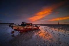 Το ζαλίζοντας ηλιοβασίλεμα στιγμή-8 Wonderfull Ινδονησία στοκ εικόνα