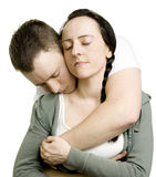 Το ζεύγος στην αγάπη αγκαλιάζει Στοκ εικόνα με δικαίωμα ελεύθερης χρήσης