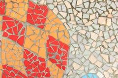 Το ζωηρόχρωμο μωσαϊκό κεραμώνει τον τοίχο Στοκ Εικόνες