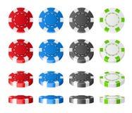 Το ζωηρόχρωμο πλαστικό πόκερ πελεκά το ρεαλιστικό σύνολο τα τρισδιάστατα τσιπ κτύπησαν τις διαφορετικές γωνίες που απομονώθηκαν σ απεικόνιση αποθεμάτων