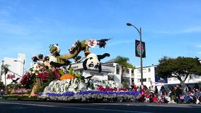 Το ζωικό ύφος με τη Panda, φίδι, επιπλέον σώμα Awrad χιούμορ του Bob Hope στο διάσημο αυξήθηκε παρέλαση απόθεμα βίντεο