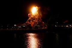 Το ηφαίστειο καφέδων τροπικών δασών εκρήγνυται στη στο κέντρο της πόλης Disney στοκ εικόνες