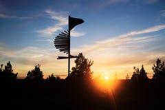 Το ηλιοβασίλεμα και καθοδηγεί Στοκ Εικόνες