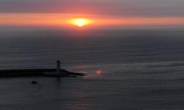 Το ηλιοβασίλεμα και χαλαρώνει Στοκ εικόνα με δικαίωμα ελεύθερης χρήσης