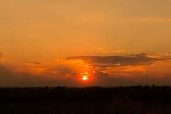 Το ηλιοβασίλεμα με τον καυτό τόνο χρώματος Στοκ Εικόνα