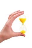 το θηλυκό χέρι γυαλιού κ&rho Στοκ φωτογραφία με δικαίωμα ελεύθερης χρήσης