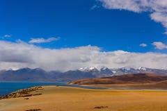 Το Θιβέτ τοποθετεί το naimonanyi και τη λίμνη Manasarovar Στοκ Φωτογραφίες