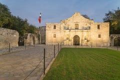 Το θρυλικά Alamo οχυρό και το μουσείο αποστολής στο San Antonio στοκ εικόνα