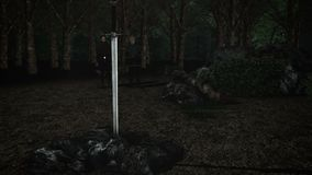 Το θρυλικό ξίφος Excalibur στο Stone με τη Merlin και το βασιλιά Άρθουρ διανυσματική απεικόνιση
