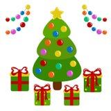 Το διακοσμημένο χριστουγεννιάτικο δέντρο και παρουσιάζει Στοκ φωτογραφία με δικαίωμα ελεύθερης χρήσης