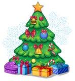 Το διανυσματικό όμορφο διακοσμημένο χριστουγεννιάτικο δέντρο με παρουσιάζει Στοκ φωτογραφία με δικαίωμα ελεύθερης χρήσης