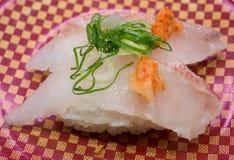 το ιαπωνικό ακατέργαστο ύφος σκουμπριών τροφίμων κιβωτίων έξω παίρνει τρία Στοκ εικόνα με δικαίωμα ελεύθερης χρήσης