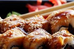 Το ιαπωνικό σούσι κουζίνας κυλά τη μακροεντολή Στοκ Φωτογραφία