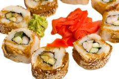 Το ιαπωνικό σούσι κυλά άνωθεν Στοκ Εικόνες