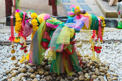 Το ικρίωμα στο SAN Phantai Norasing Το πολυ σατέν χρώματος Στοκ εικόνες με δικαίωμα ελεύθερης χρήσης