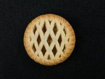Το δικτυωτό πλέγμα ολοκλήρωσε τη μεμονωμένη Bramley Apple πίτα Στοκ φωτογραφίες με δικαίωμα ελεύθερης χρήσης