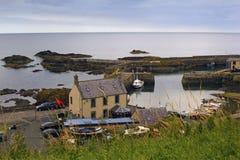 Το λιμάνι και το χωριό στο ST Abbs σε Berwickshire, Σκωτία, 07 08 2015 Στοκ Φωτογραφία