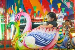 Το ιπποδρόμιο ή εύθυμος πηγαίνει γύρω από στο ταϊλανδικό ύφος Στοκ φωτογραφία με δικαίωμα ελεύθερης χρήσης