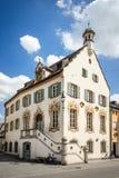Το ιστορικό Δημαρχείο Fürstenfeldbruck στοκ εικόνες
