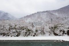 Το ιστορικό χωριό shirakawa-πηγαίνει το χειμώνα, Ιαπωνία Στοκ φωτογραφία με δικαίωμα ελεύθερης χρήσης