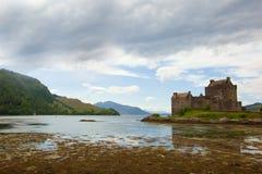 το κάστρο donan στοκ εικόνα με δικαίωμα ελεύθερης χρήσης