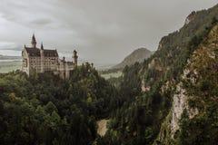 Το κάστρο Schloss Neuschwanstein από το Marien Brà ¼ cke Στοκ φωτογραφία με δικαίωμα ελεύθερης χρήσης