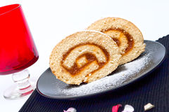 το κέικ κυλημένο το μαρμε& Στοκ Εικόνες