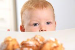 το κέικ μωρών θέλει Στοκ φωτογραφία με δικαίωμα ελεύθερης χρήσης