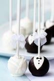 το κέικ σκάει το γάμο Στοκ Φωτογραφίες