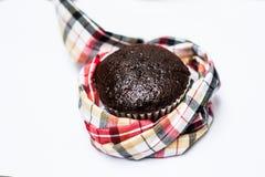 Το κέικ φλυτζανιών babana σοκολάτας απομονώνει στο άσπρο υπόβαθρο Στοκ φωτογραφία με δικαίωμα ελεύθερης χρήσης