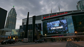 Το κέντρο του Air Canada στο στο κέντρο της πόλης Τορόντο είναι κατ' οίκον Toronto Raptors και τον Ιούλιο του 2016 των Maple Leaf Στοκ Εικόνες