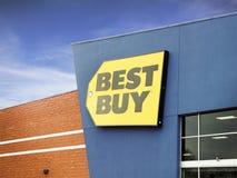 Το ΚΑΛΥΤΕΡΟ ΑΓΟΡΑΖΕΙ το κατάστημα πριν από τις μαύρες πωλήσεις Παρασκευής και cyber Δευτέρας Στοκ φωτογραφία με δικαίωμα ελεύθερης χρήσης