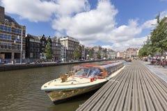 Το κανάλι Rokin στο Άμστερνταμ, Κάτω Χώρες στοκ εικόνα
