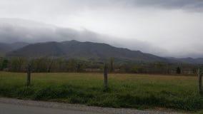 Το καπνώές περιστέρι του ανατολικού Τένεσι Sevierville βουνών όρμων Cades σφυρηλατεί την πρωτόγονη σκηνή φύσης Gatlinburg Στοκ φωτογραφία με δικαίωμα ελεύθερης χρήσης
