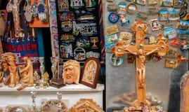 Το κατάστημα αναμνηστικών στην Ιερουσαλήμ επάνω μέσω Dolorosa στοκ εικόνες