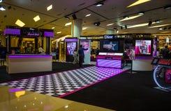 Το κατάστημα καλλυντικών DIOR στη λεωφόρο του Σιάμ Paragon, Μπανγκόκ, Ταϊλάνδη στοκ εικόνες