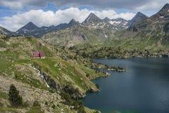Το καταφύγιο Respomuso στο Aragonese Πυρηναία σε 2200 μέτρα, Huesca, Ισπανία Στοκ φωτογραφίες με δικαίωμα ελεύθερης χρήσης