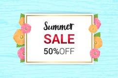 Το καλοκαίρι ανθίζει το floral σχέδιο πλαισίων ή καλοκαιριού στο ανοικτό μπλε backg ελεύθερη απεικόνιση δικαιώματος