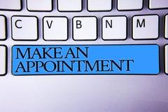 Το κείμενο γραφής κάνει έναν διορισμό Έννοια που σημαίνει σχεδίου ρύθμισης προθεσμίας συνόδου μπλε SPA κουμπιών δέσμευσης την αλφ Στοκ Φωτογραφία
