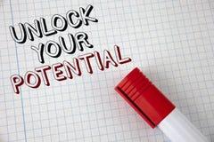 Το κείμενο γραφής ξεκλειδώνει τη δυνατότητά σας Η έννοια έννοιας αποκαλύπτει ότι το ταλέντο αναπτύσσει τις δυνατότητες παρουσιάζε στοκ φωτογραφίες με δικαίωμα ελεύθερης χρήσης