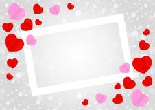 Το κενό άσπρο πλαίσιο και η κόκκινη ρόδινη μορφή καρδιών για το γκρίζο  απεικόνιση αποθεμάτων