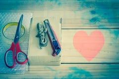 Το κενό κιβώτιο είναι εξοπλισμός για το κιβώτιο, εκλεκτής ποιότητας επίδραση filte Στοκ Φωτογραφία
