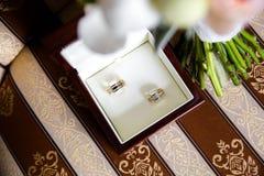 το κιβώτιο χτυπά το γάμο στοκ φωτογραφίες