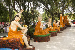 Το κινεζικό άγαλμα Θεών και αγγέλου για τους ανθρώπους και την επίσκεψη και προσεύχεται σε Wa Στοκ εικόνα με δικαίωμα ελεύθερης χρήσης