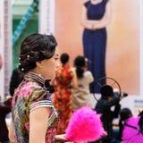 Το κινεζικό cheongsam παρουσιάζει Στοκ φωτογραφίες με δικαίωμα ελεύθερης χρήσης