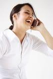 το κινητό τηλέφωνο μιλά τις νεολαίες γυναικών Στοκ εικόνες με δικαίωμα ελεύθερης χρήσης