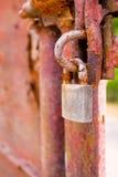 Το κλείδωμα στοκ φωτογραφίες με δικαίωμα ελεύθερης χρήσης